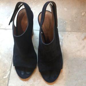 Vince side & wooden heels